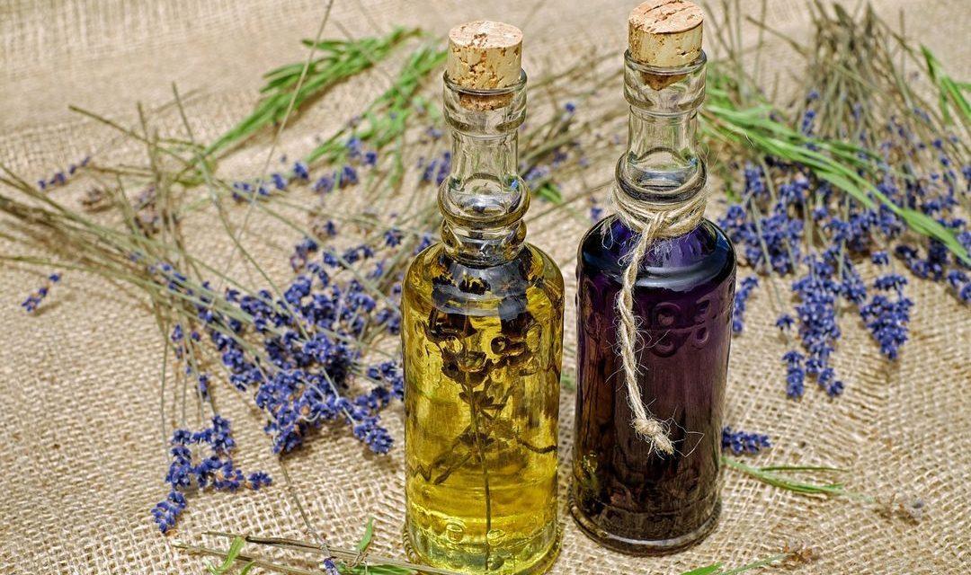 Minyak Atsiri – Pengertian, Komposisi, Sumber dan Manfaat