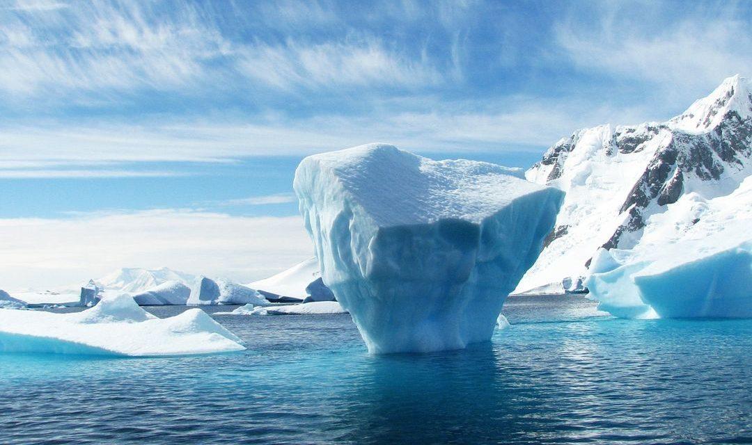 7 Perbedaan Kutub Utara dan Selatan