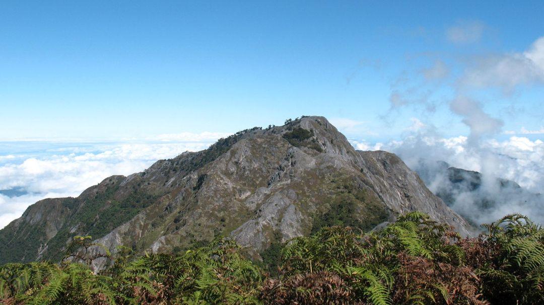 gunung banaiya