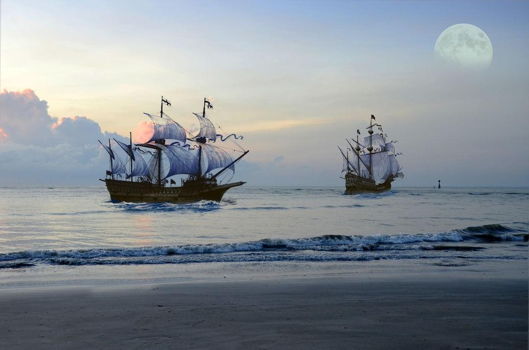 kapal berlayar