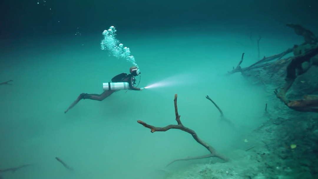 sungai dasar laut