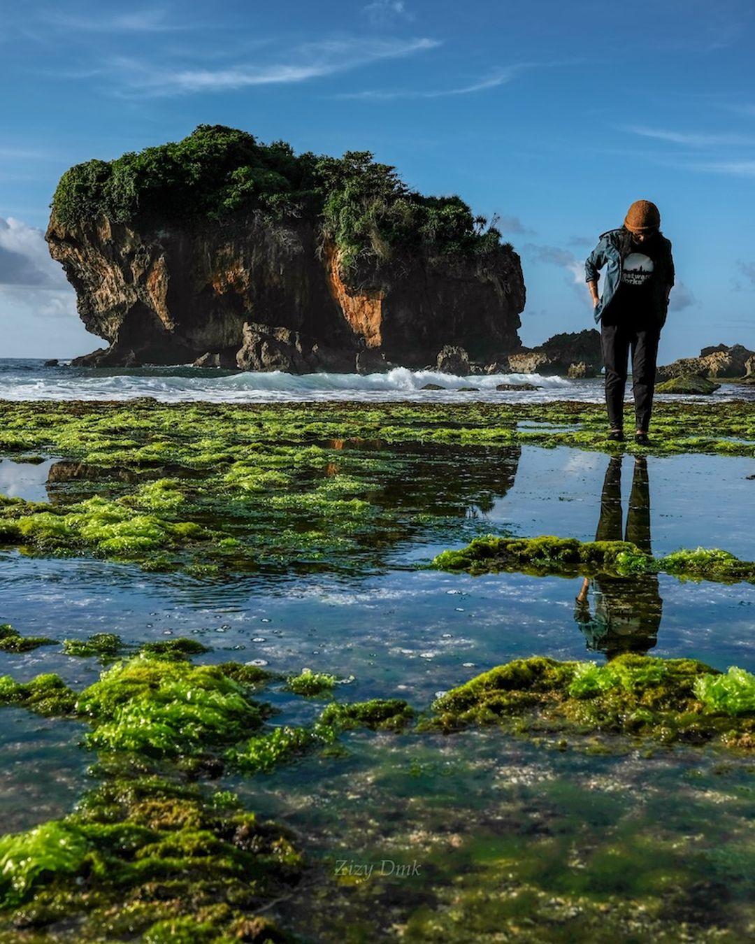 Pantai Jungwok Rute Lokasi Daya Tarik Dan Misteri