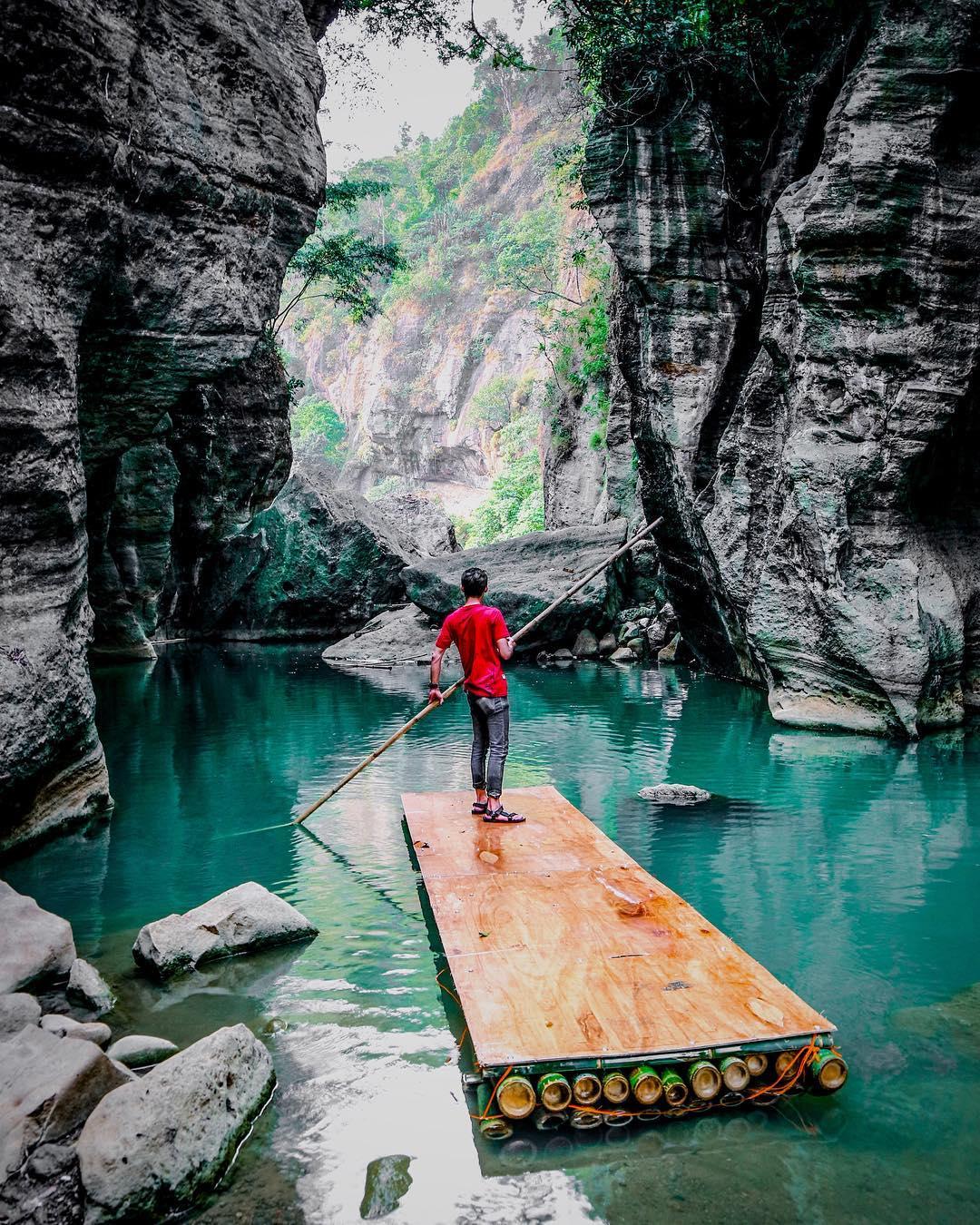 wisata sungai cikahuripan