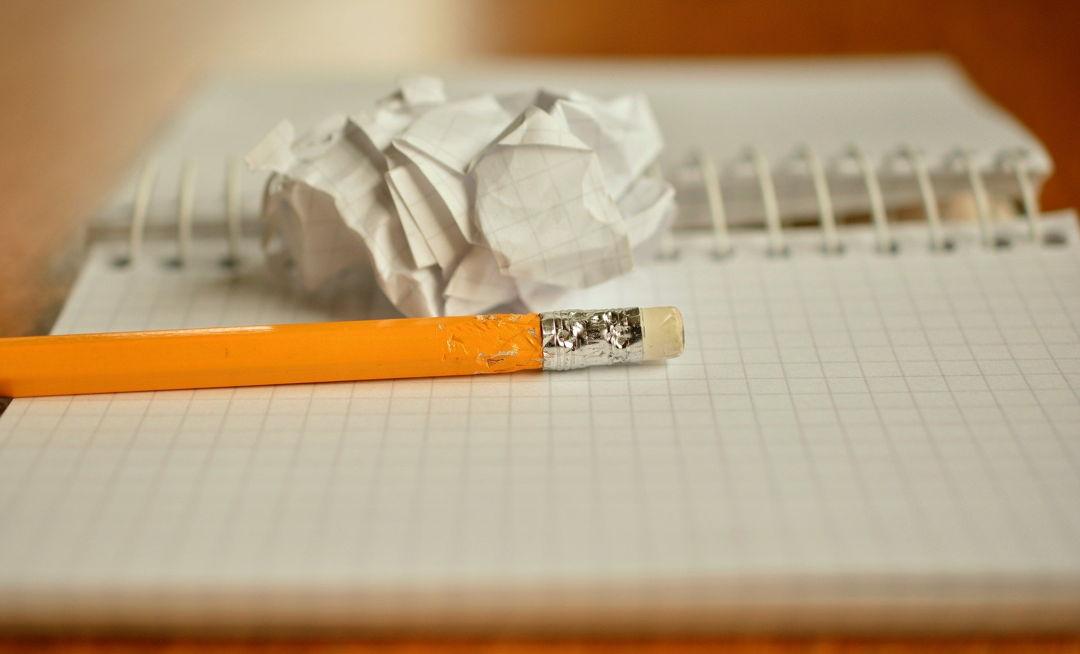 kertas dan pensil