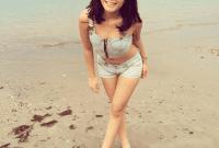 wanita pantai lasiana
