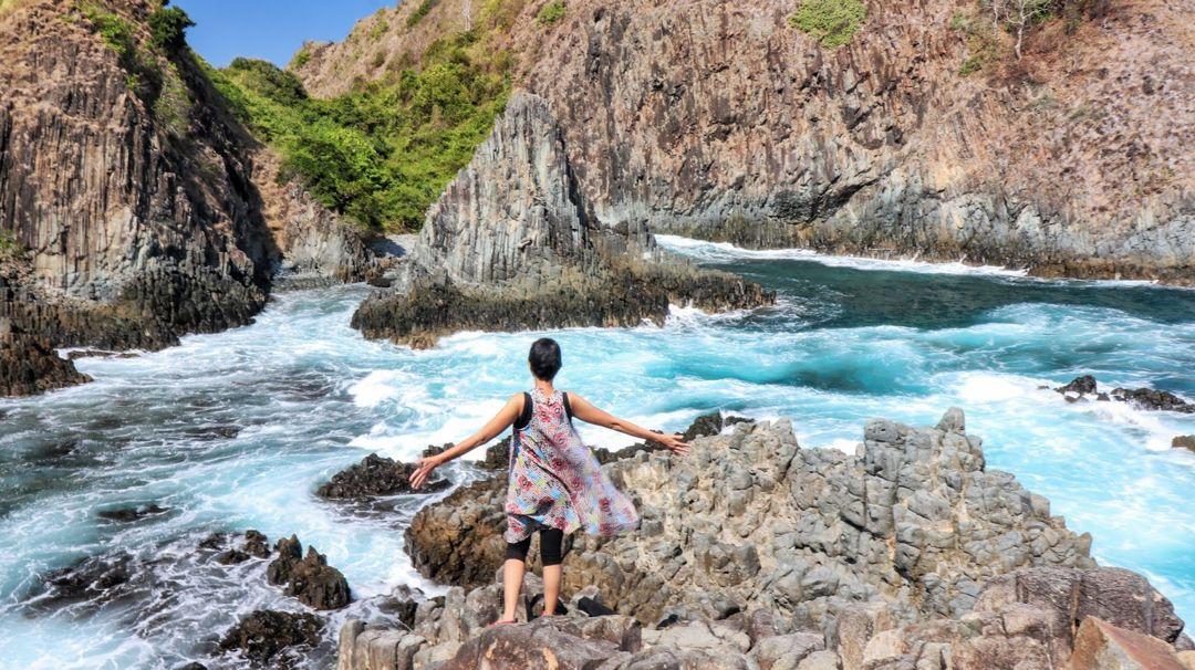 wisata pantai semeti