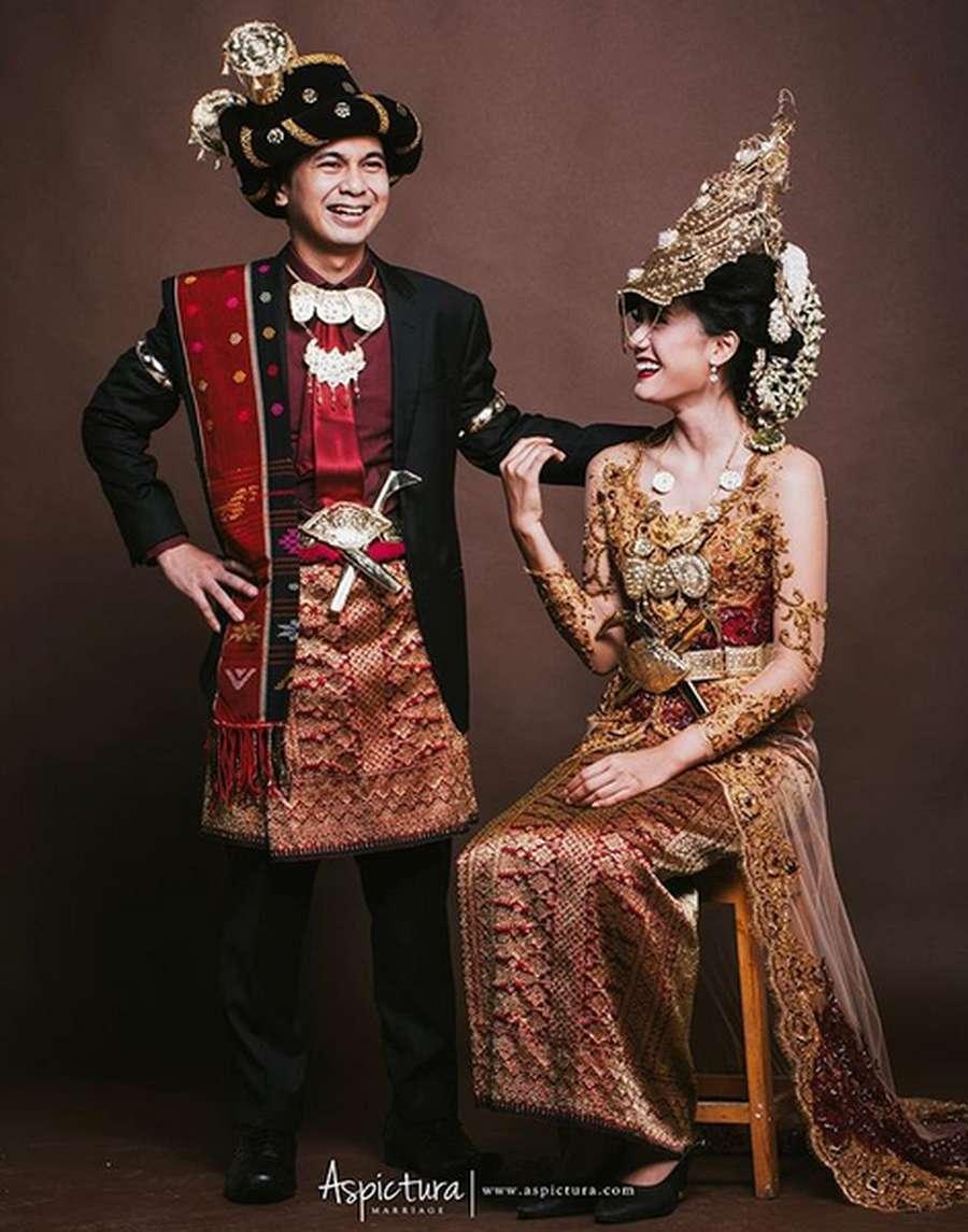 10++ Pakaian Adat Sumatera Utara - Ragam Baju Tradisional ...