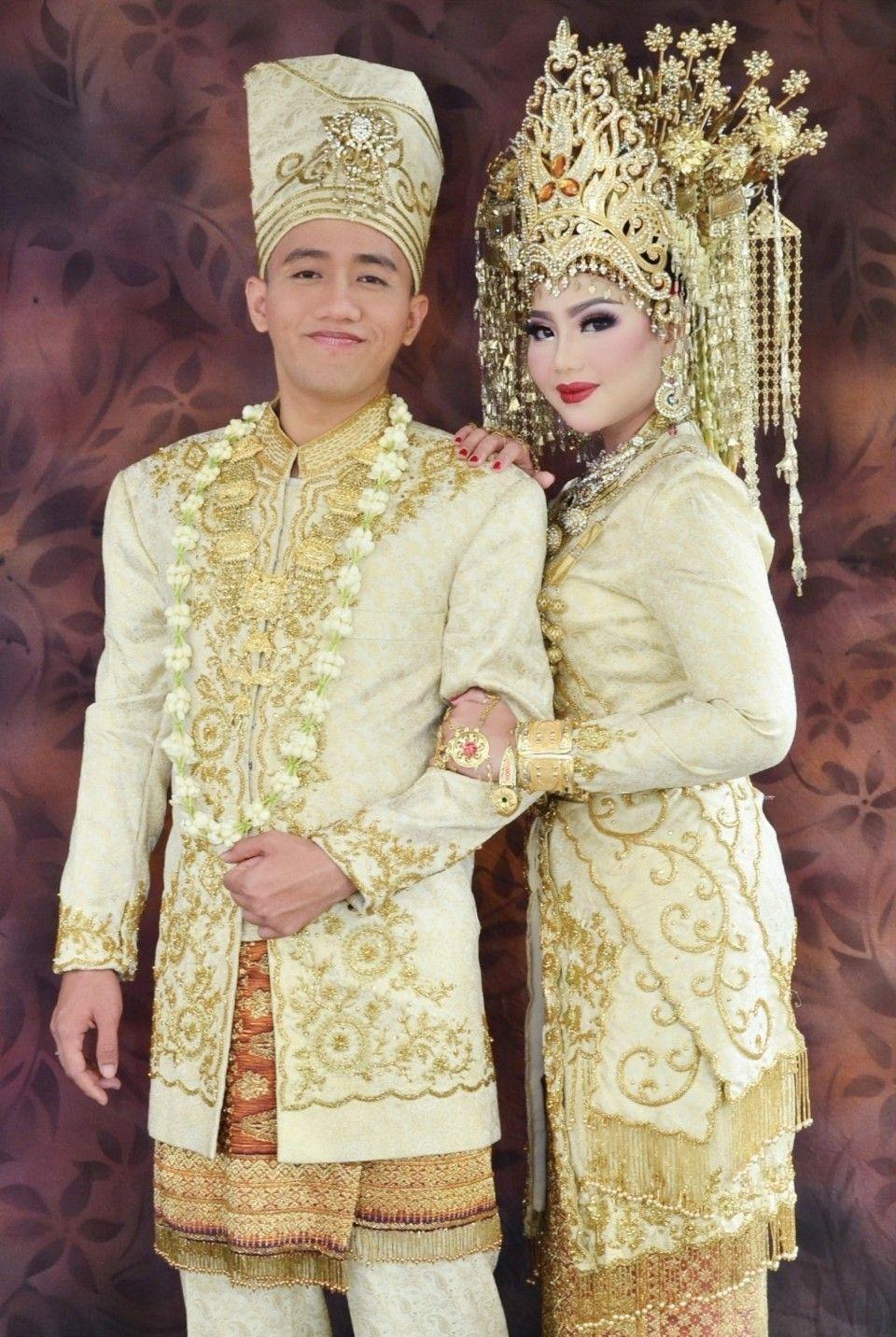 Baju Adat Suku Melayu