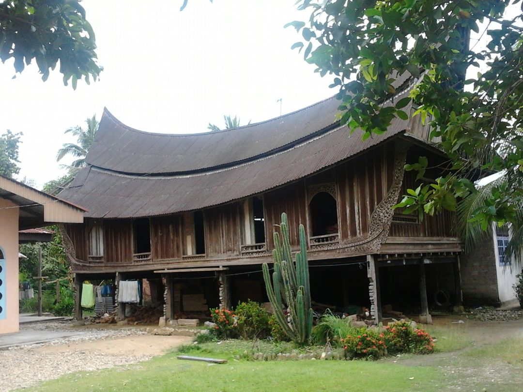 Rumah Gadang Surambi Papek