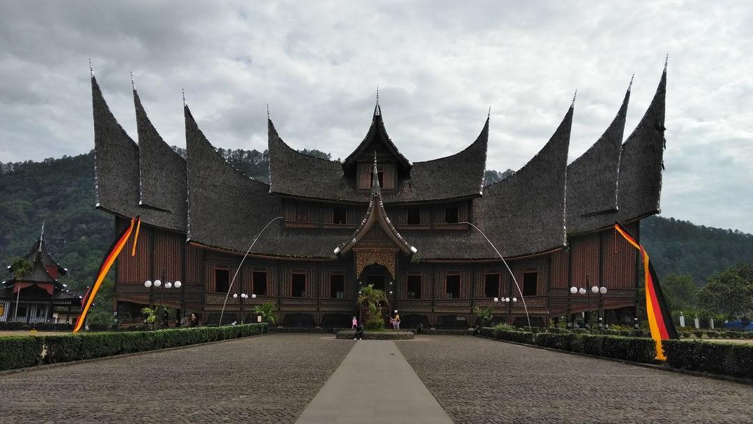 Rumah Gonjong Ampek Baanjuang