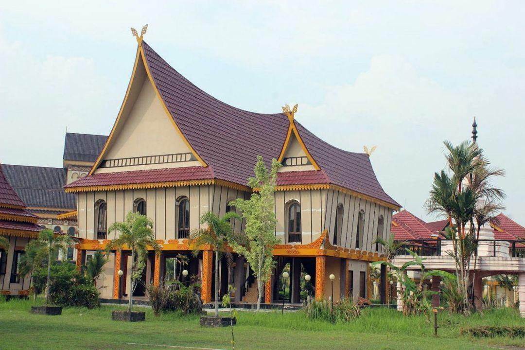 Rumah Tradisional Atap Lontik