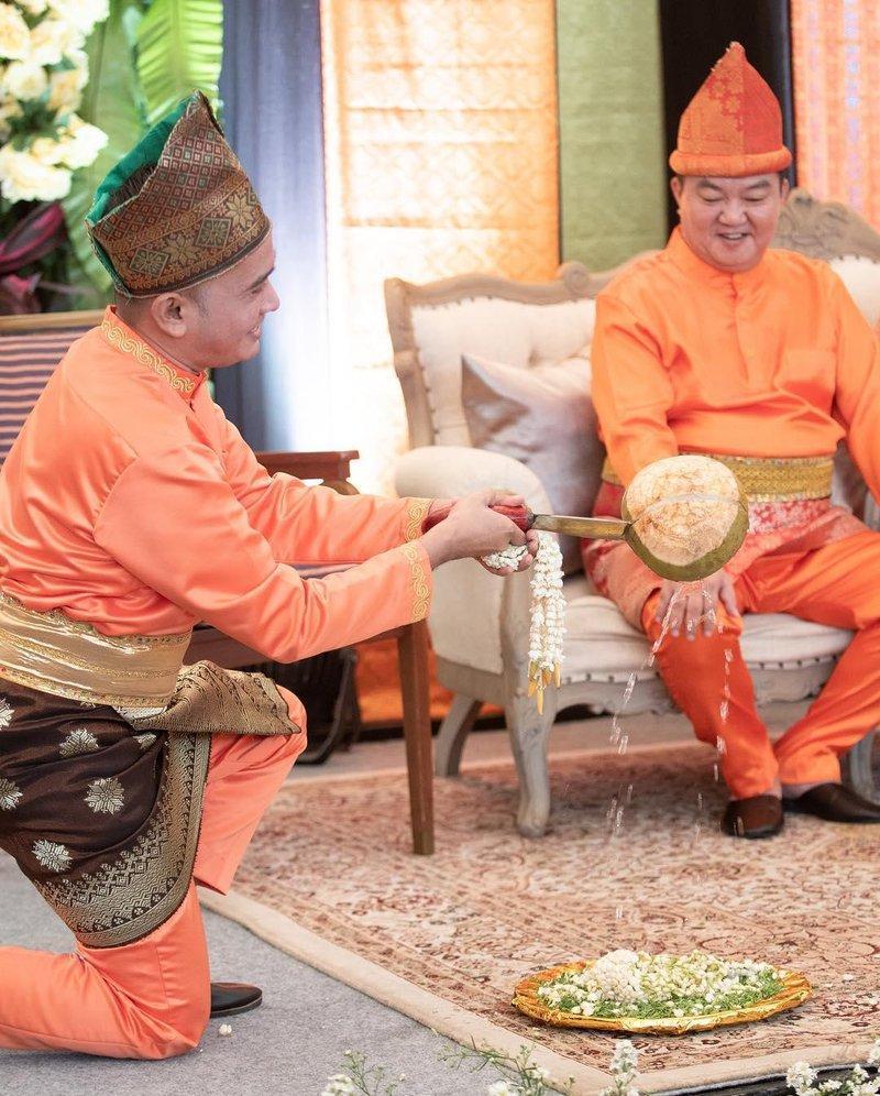 pakaian tradisional jambi