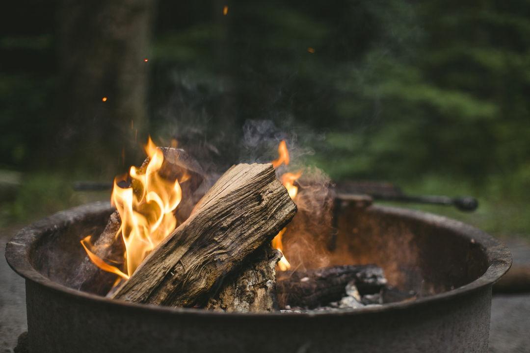 tungku kayu bakar